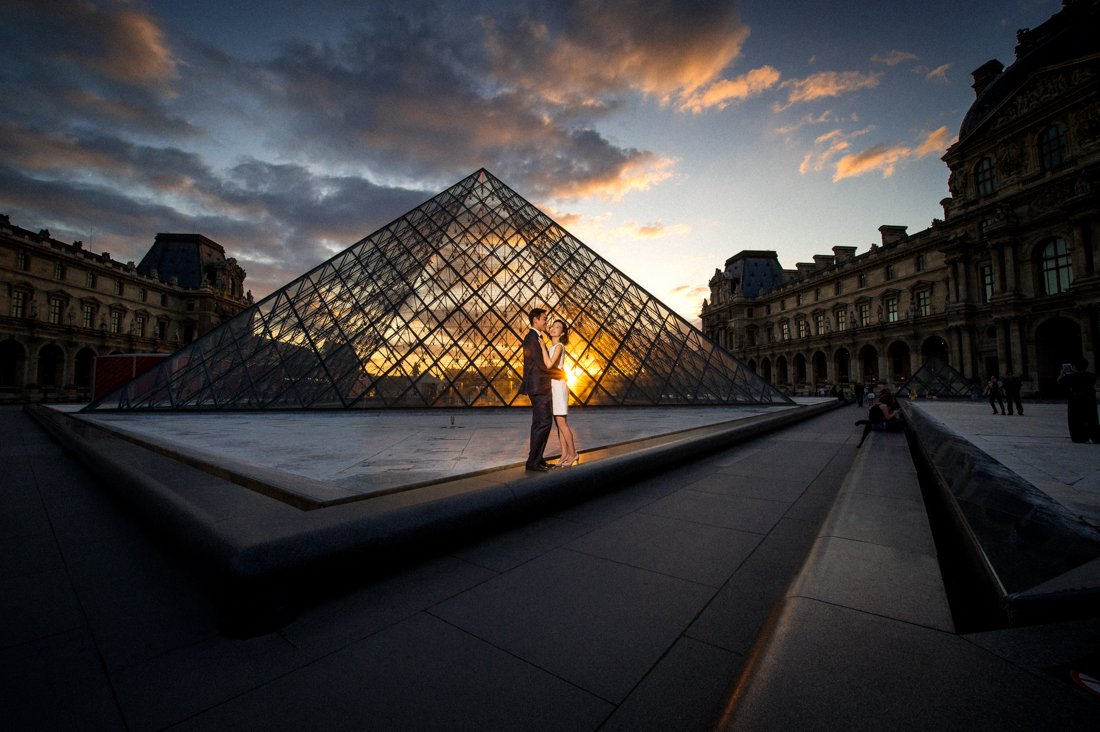 The Louvre Sunset Paris Pre-Wedding Shoot